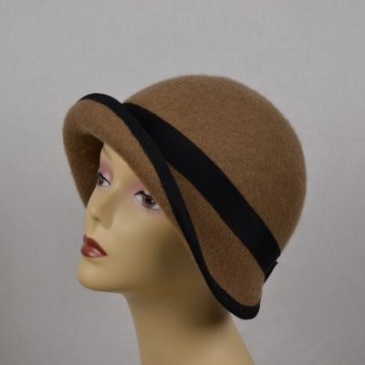 Tour de Mode Chapeau Cloche camel